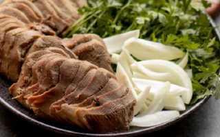 Как вкусно варить говяжий язык в кастрюле? 8 фото Как сварить целиком до готовности? Время варки и рецепты