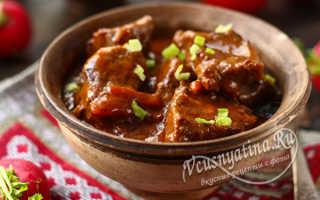 Тушеная телятина (26 фото): вкусные рецепты телятины с овощами и подливкой на сковороде, время тушения блюда в сметанном соусе