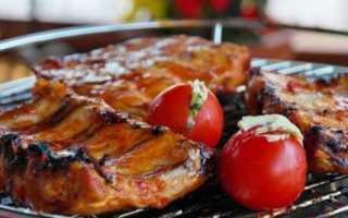 Как замариновать свиные ребрышки? Вкусные рецепты маринованных ребер свинины для барбекю. Как правильно их приготовить?