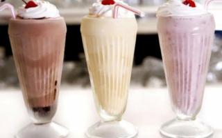 Молочные коктейли с фруктами: рецепты с мороженым и другие варианты из молока в блендере, сделанные в домашних условиях