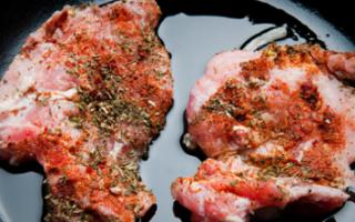 Сколько жарить говядину? Сколько по времени готовятся маленькие кусочки мяса на сковороде и на мангале?