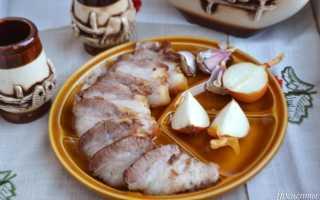 Свиная грудинка в духовке (16 фото): рецепт приготовления сочной запеченной в фольге грудинки, как вкусно запекать свинину с картошкой?