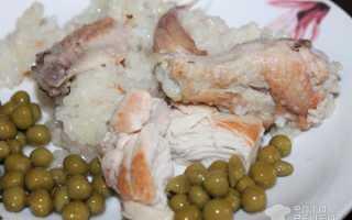 Рисовая каша (64 фото): вкусный рецепт приготовления блюда с яблоками, с тушенкой и с курицей,