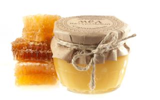 Мед с прополисом (26 фото): полезные лечебные свойства и противопоказания, как приготовить и принимать